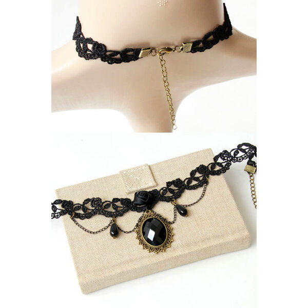 Musta pitsikaulakoru ruusulla - Black Lace Collar with Rose 2 Hot Avenue shop