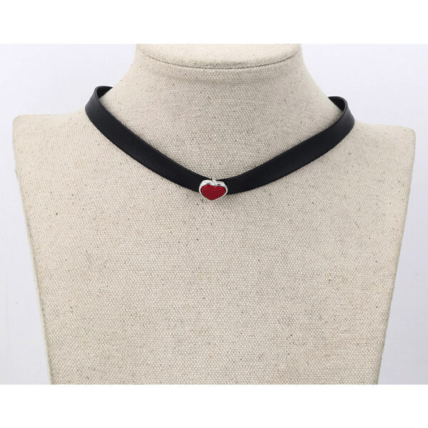 Choker black leather necklace Red Heart – Nahkainen kaulanauha kaulakoru punainen Hot Avenue shop pic3