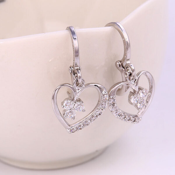 Sydänriipus korvakorut - Earrings Heart pic2 - hot Avenue shop