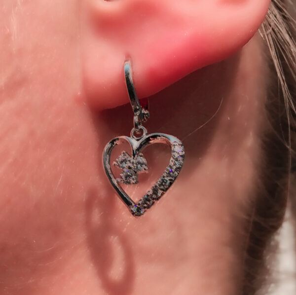 Sydänriipus korvakorut - Earrings Heart pic3 - hot Avenue shop