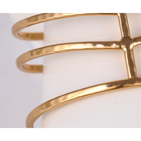 Muodikas Rannerengas Kultainen - Fashion Bangle Gold pic 3 - Hot Avenue Shop